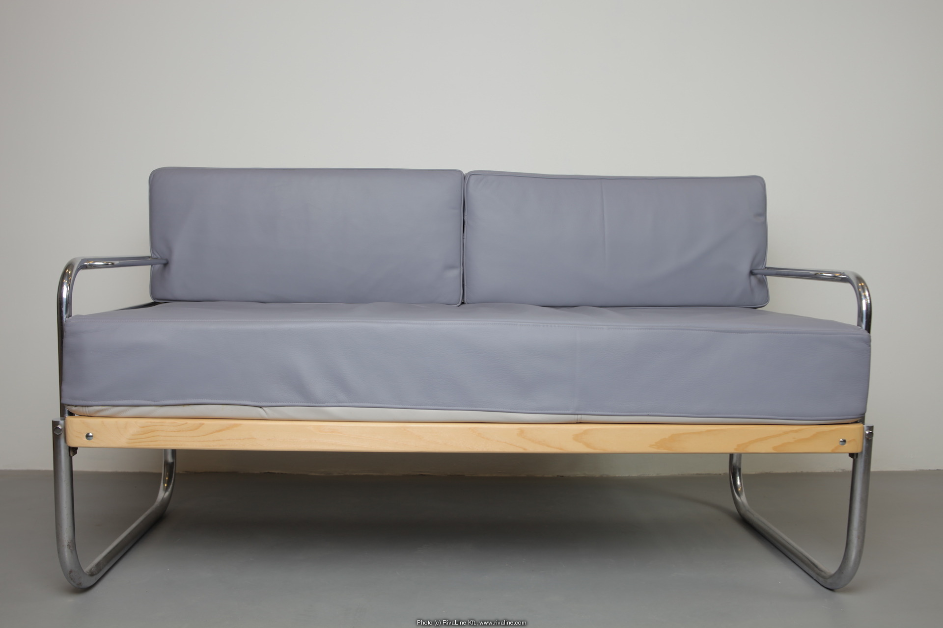 Bauhaus furniture sofa bauhaus sofas hartford bridgeport for Bauhaus sofa bed